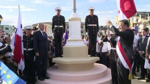 Con dos actos protocolares celebraron el 5 de noviembre en Colón