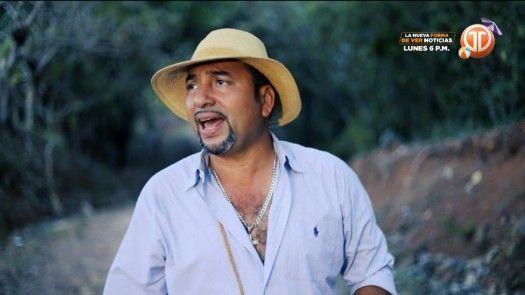 El tipiquero panameño Tavo Flores, presenta su tema La escuela de la vida
