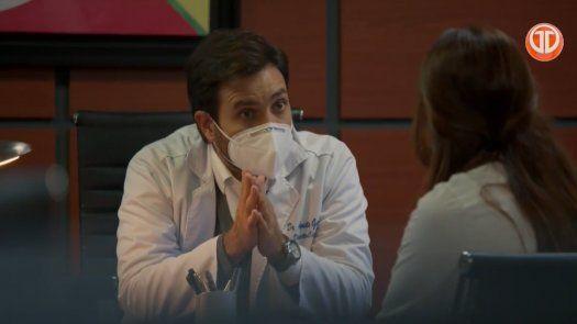 Enfermeras: Helena trata de decirle al Dr. Garnica de su embarazo