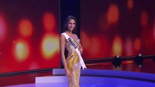 Carmen Jaramillo, Señorita Panamá, en la preliminar de Miss Universo