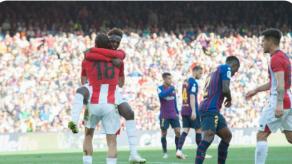 El Barcelona rescata un sufrido empate 1-1 en casa