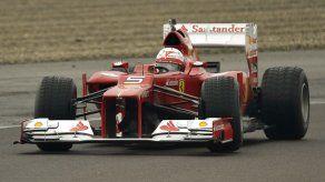Vettel da sus primeras vueltas con un Ferrari