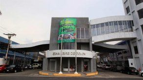 Cubanos lideran llegada de turistas a la Zona Libre de Colón