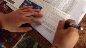 Director del Ifarhu promete agilizar pago de becas por ACH para la próxima semana