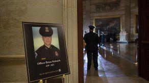 Identifican a sospechoso en muerte de policía del Capitolio