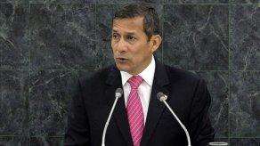 Presidente Humala felicita a Santos por triunfo en elecciones de Colombia