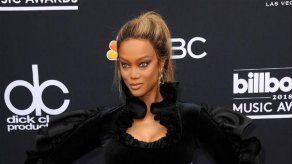 Tyra Banks culpa a la propia industria de la moda de su rivalidad con Naomi Campbell