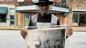 Pastor negro dueño de un local del Ku Klux Klan