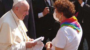 Francisco a padres de hijos LGBT: El papa los ama porque son hijos de Dios