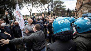 En los últimos días se han multiplicado las protestas contra el Gobierno de Mario Draghi.