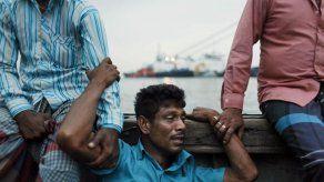 Bangladesh: 54 cuerpos recuperados en naufragio