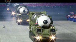 Misil en desfile norcoreano crea preocupación en Seúl