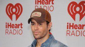 Acusan a Enrique Iglesias de plagiar el tema Bailando