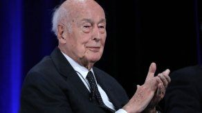 El expresidente francés Giscard dEstaing muere de covid-19
