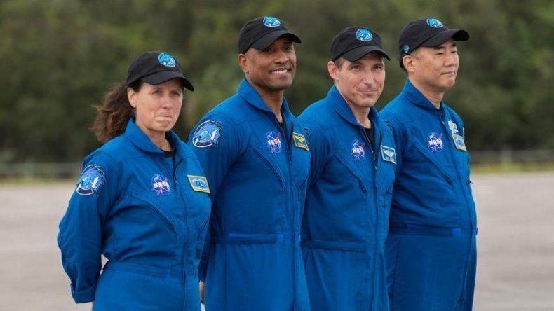 Los cuatro astronautas de la misión tripulada a la EEI ya están en Florida