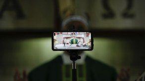 Venezuela: Sacerdote abre iglesia sin detenerse por pandemia