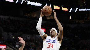 Harris ayuda a Clippers a salir de mala racha ante Spurs