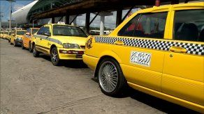 Defensoría sugiere mantener medida de pares y nones para los taxis y que se permita circulación los fines de semana