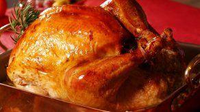 Sepa cómo preparar un pavo al horno con romero