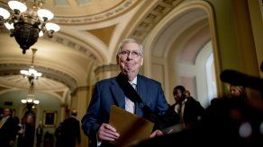 Senadores de EEUU autorizan recursos para el muro fronterizo