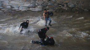 Joven herido tras caer a un río durante nueva jornada de protestas en Chile