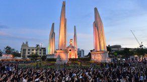 Movimiento prodemocracia reúne a más de 10.000 manifesantes en Tailandia