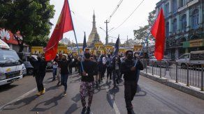 Grupo: Han muerto más de 300 manifestantes en Myanmar