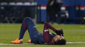 Neymar será operado por fractura del pie