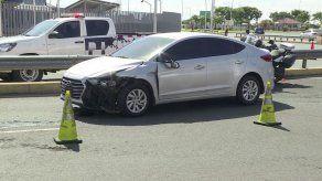 Capturan a sujeto que atropelló a una mujer en carrera durante persecución polícial
