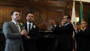 Primera boda gay en California tras reanudación de matrimonio homosexual