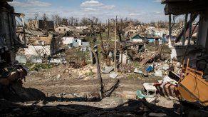 Rebeldes denuncian el bombardeo de Donetsk y exigen reanudar negociaciones