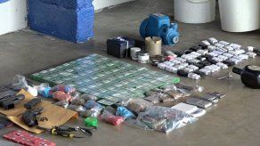 Ubican armas de fuego y objetos punzocortantes durante operativo en cárcel de Colón
