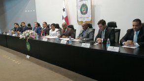 Instalan Comisión de Economía y Finanzas y juramentan a Cenobia Vargas como presidenta