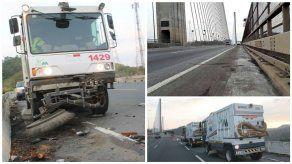 El Puente Centenario recibe la primera limpieza desde su inauguración