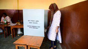 Bombay vota en la cuarta fase de las elecciones legislativas en India