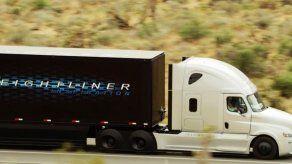 Daimler estrena camión remolque autónomo