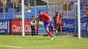 Blas Pérez llega a nueve goles con Municipal
