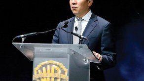 El presidente de Warner Bros deja el cargo por relación con una joven actriz
