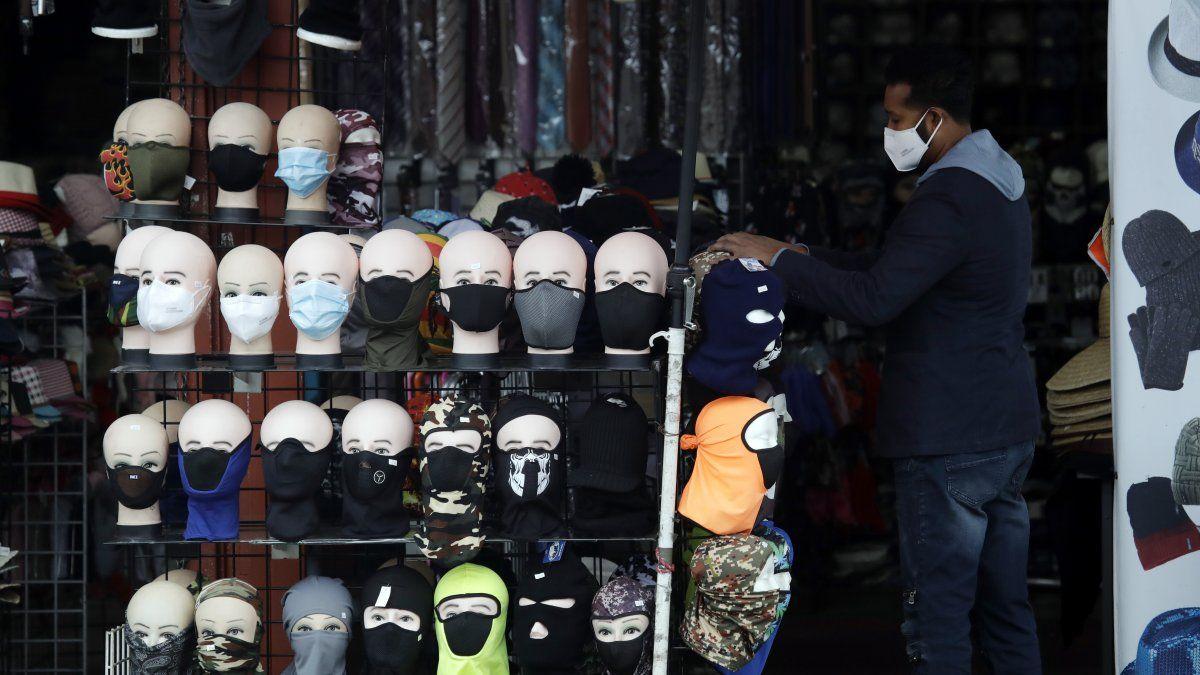 La compañía de entregas de abastecimientos Instacart, basada en San Francisco, dijo que las ventas de mascarillas vía su plataforma en la internet han subido desde el fin de semana del 4 de julio.