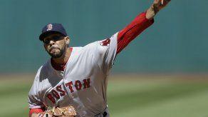 Price gana en su debut y Ortiz pegan jonrón por Boston