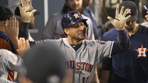 Astros pegan 13 hits y aplastan 14-0 a Dodgers