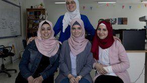 Jóvenes palestinas luchan por un premio en Silicon Valley