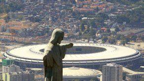 Alpinistas inician obras de recuperación de Cristo Redentor de Río de Janeiro