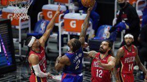 Leonard guía a Clippers en triunfo ante mermados Pelicans