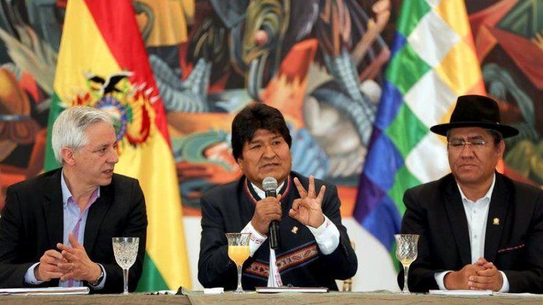 Morales anuncia para mañana su primera comparecencia tras la noche electoral