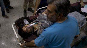 11 muertos al estrellarse autobús en Cachemira