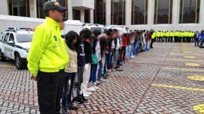Capturan profesora colombiana que vendía marihuana oculta en golosinas