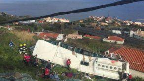 Sube a 29 el número de muertos en accidente de autobús en Portugal