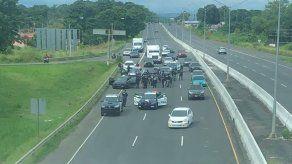 Retienen a sujeto que evadió puntos de control tras persecución en la autopista Arraján-La Chorrera