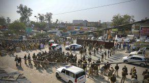 India: agricultores chocan con la policía en protestas